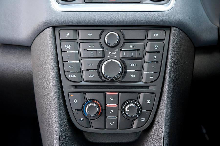 Vauxhall Meriva centre console