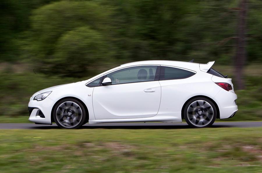 Vauxhall Astra GTC VXR side profile