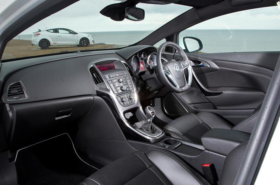 Vauxhall Astra GTC VXR interior