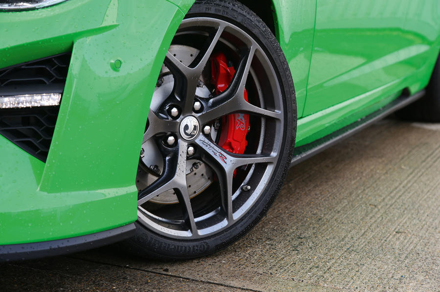 Vauxhall VXR8 GTS-R alloy wheels