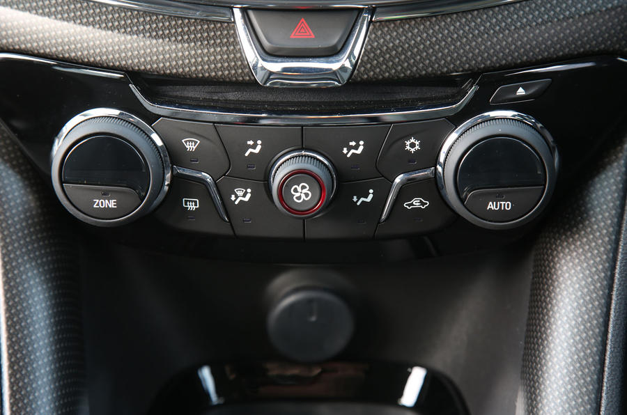 Vauxhall VXR8 GTS-R climate controls