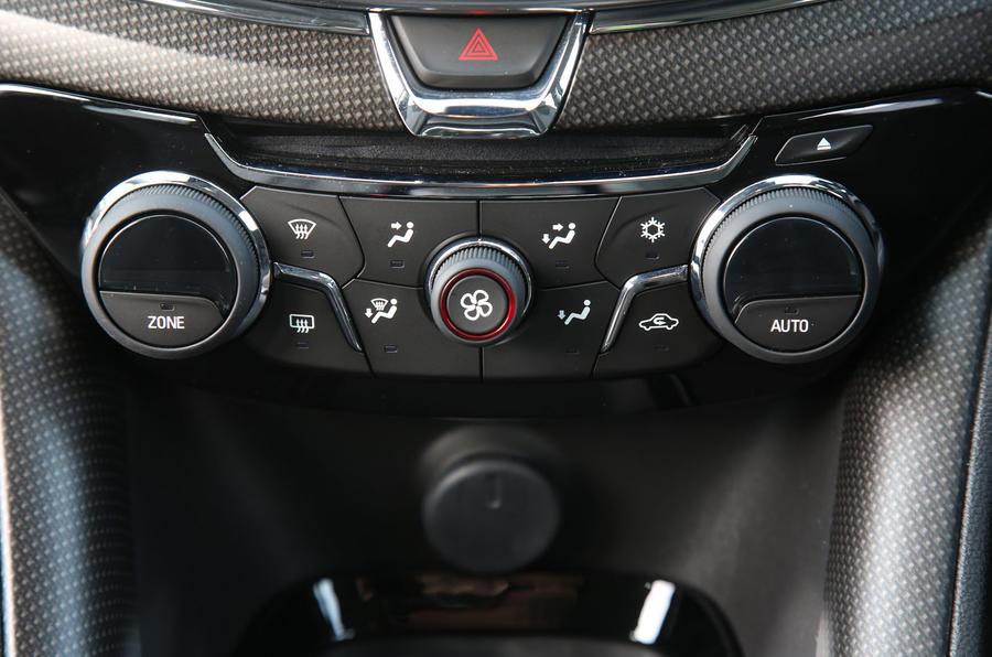 Vauxhall VXR8 GTS-R climate controls