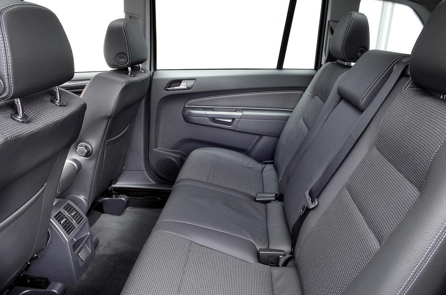 Vauxhall Zafira middle row seats