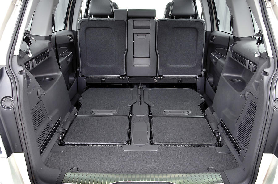 Opel zafira boot space