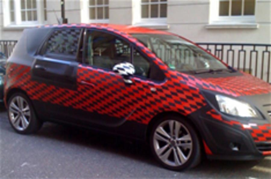 New Vauxhall Zafira spied
