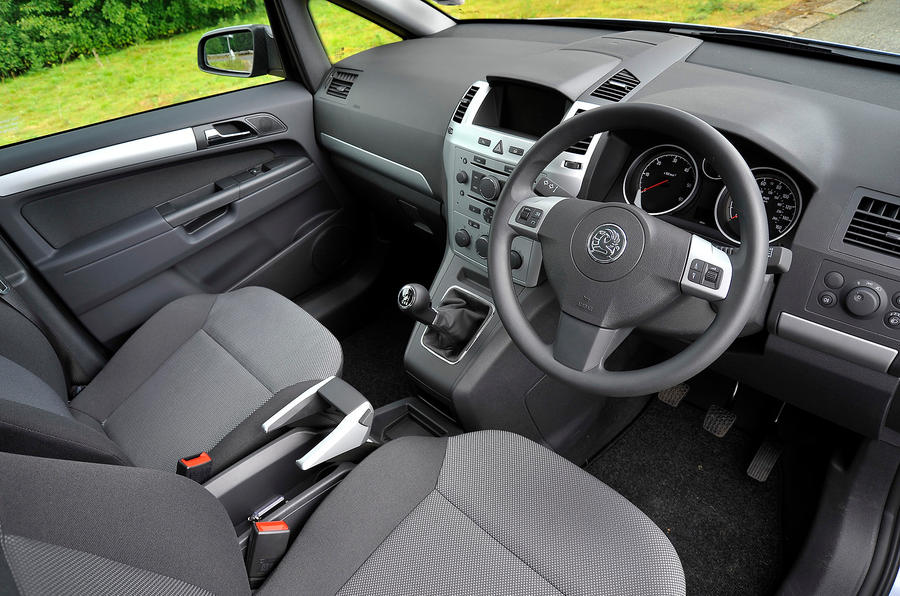 Vauxhall Zafira dashboard