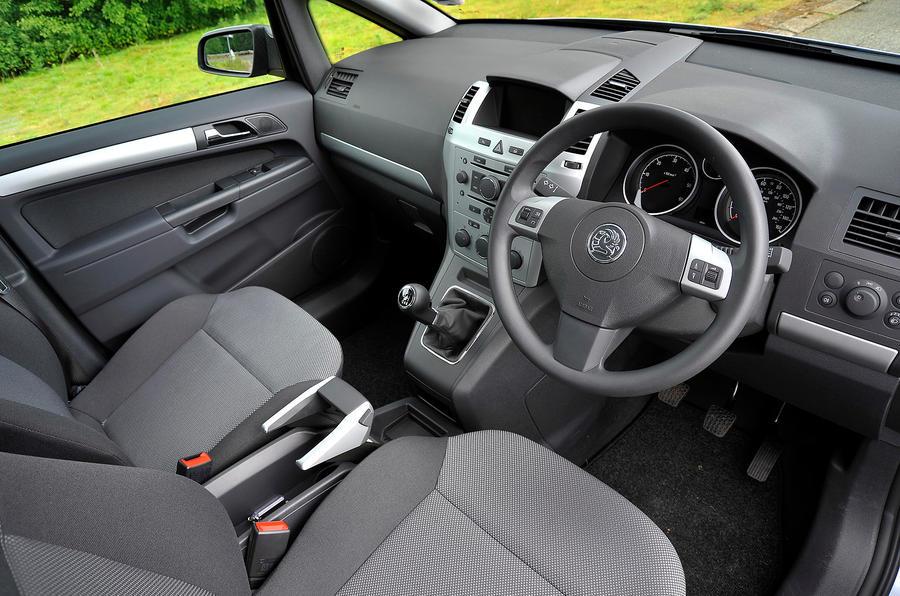 vauxhall zafira 2005 2014 interior autocar