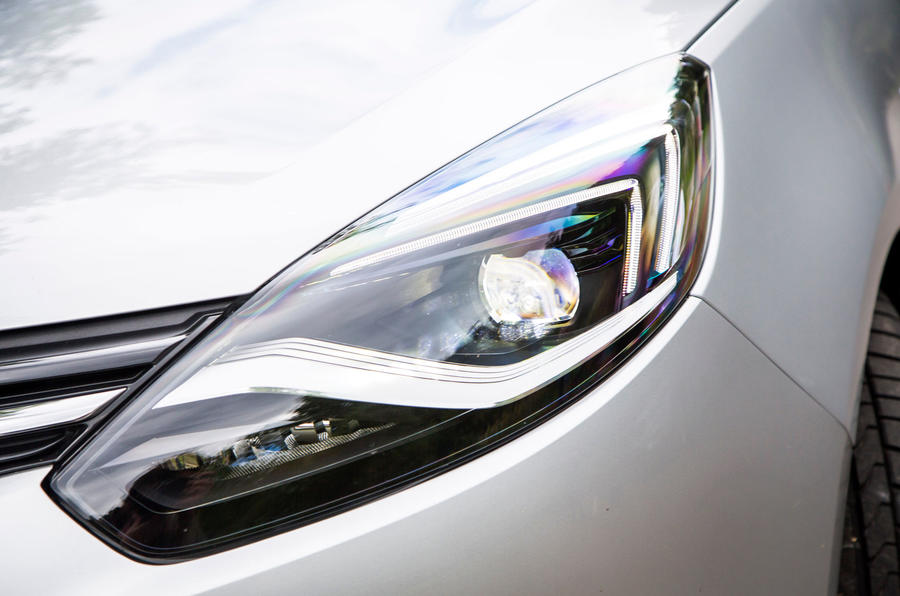 Vauxhall Zafira Tourer headlights