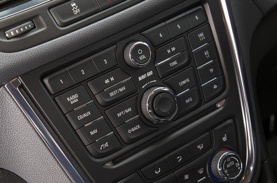 Vauxhall Mokka Tech Line centre console