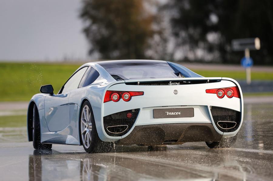 Vencer Sarthe rear cornering