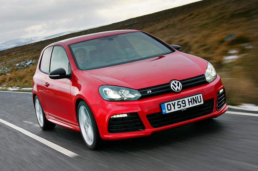 Volkswagen Golf R front quarter