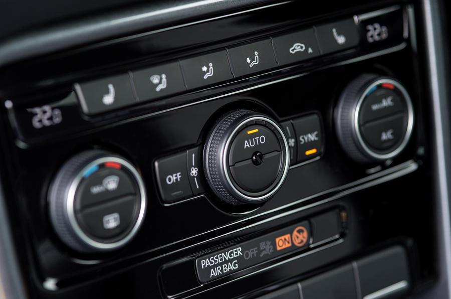 Volkswagen Beetle climate controls