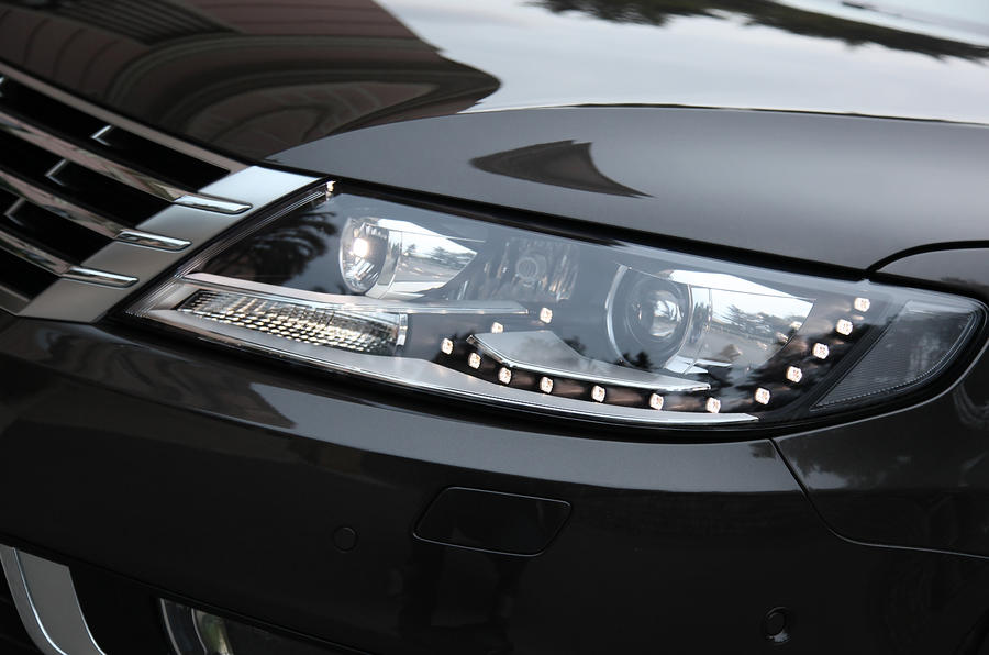 Volkswagen CC bi-xenon headlights