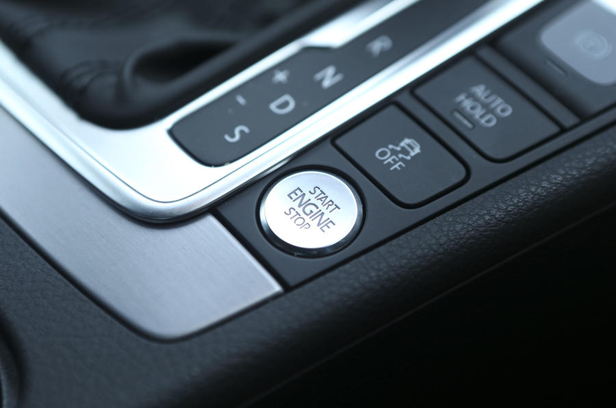 Volkswagen CC ignition button