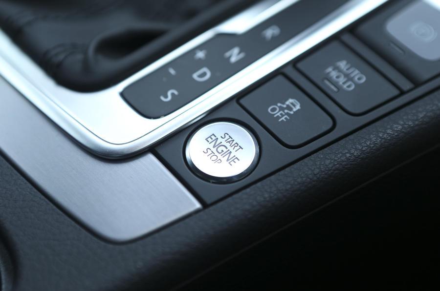 Volkswagen CC ignition button