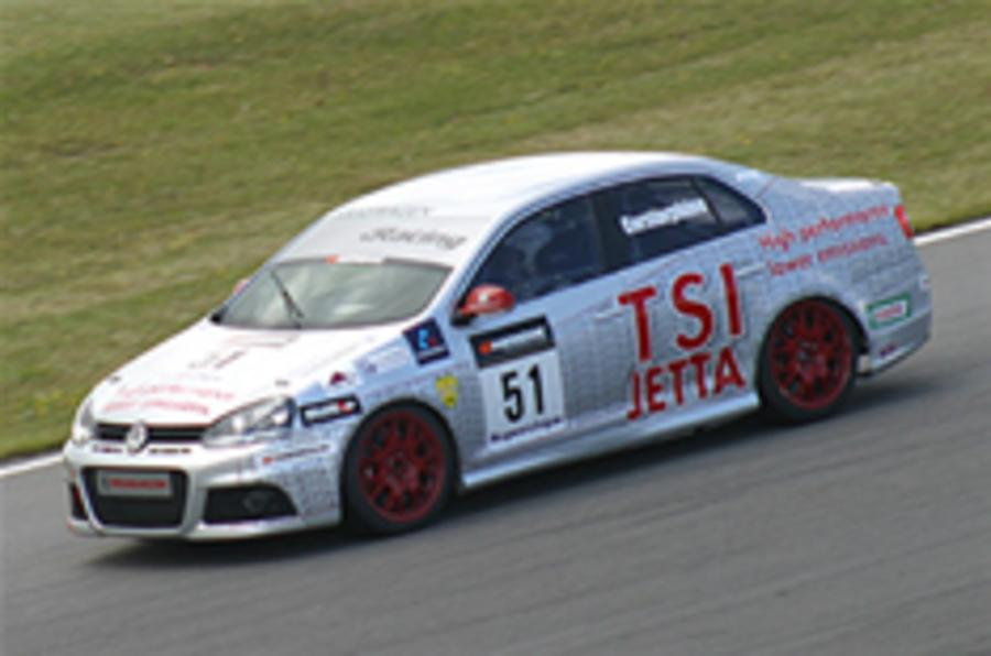 On video: VW Cup race