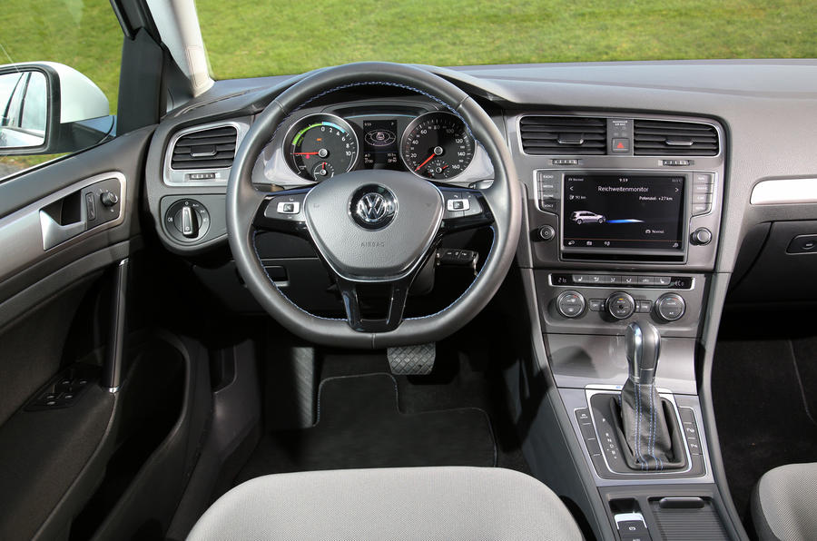 Volkswagen e-Golf steering wheel