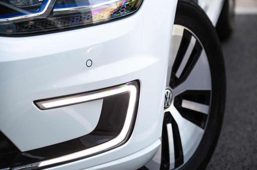 Volkswagen e-Golf LED day-running lights