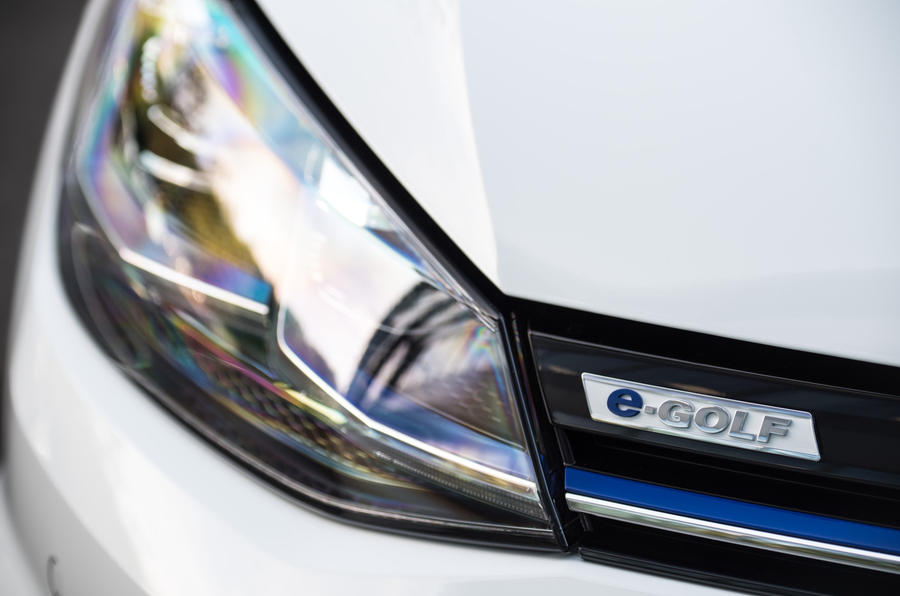 Volkswagen e-Golf LED headlights