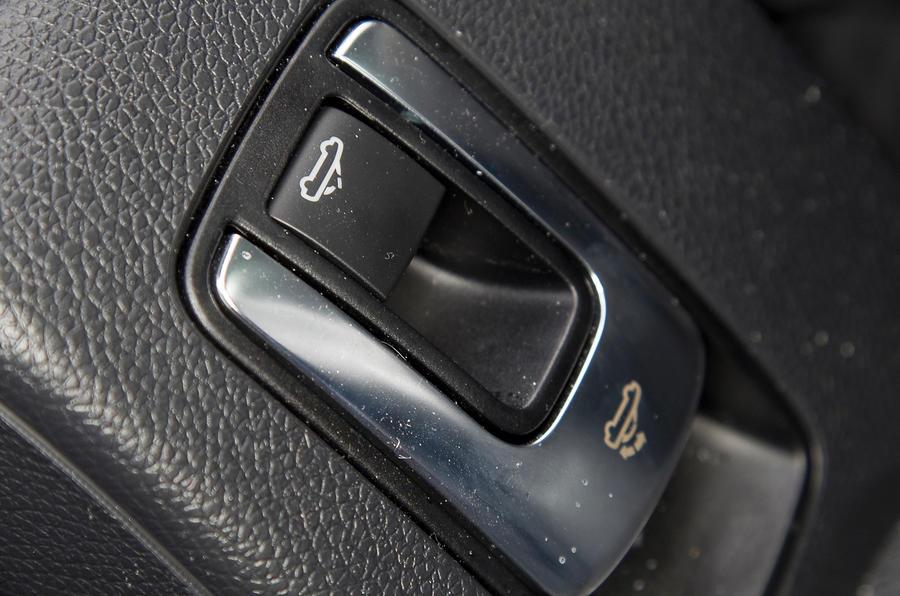 Volkswagen Eos roof controls