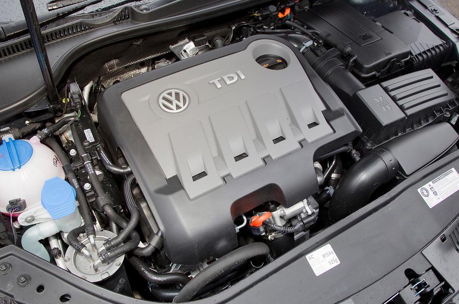 Volkswagen Eos engine bay