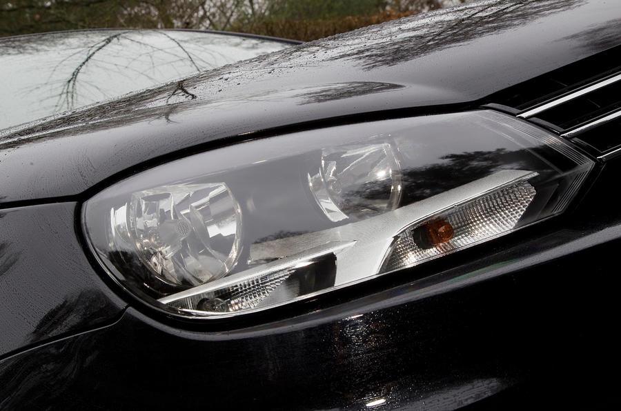 Volkswagen Eos headlight