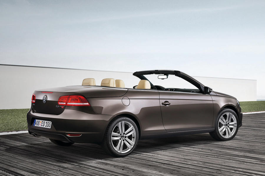 Volkswagen Eos Review - Research New & Used Volkswagen Eos Models ...