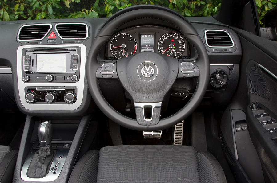 Volkswagen Eos dashboard