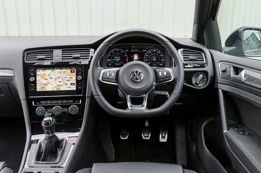 volkswagen golf interior autocar. Black Bedroom Furniture Sets. Home Design Ideas