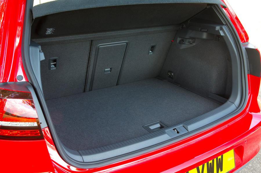 Volkswagen Golf GTD boot space