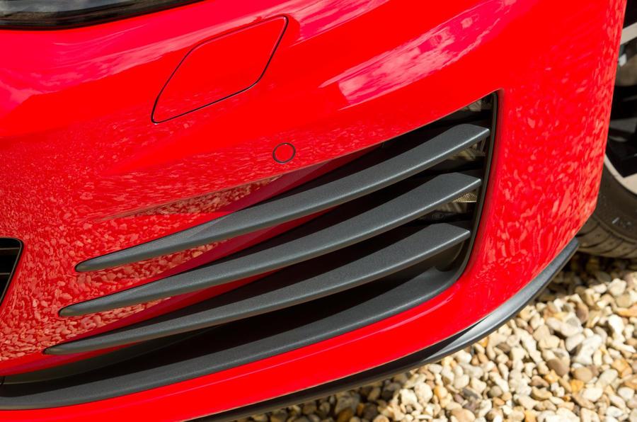 Volkswagen Golf GTD front splitter