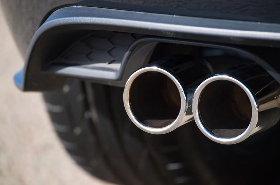 Volkswagen Golf GTD twin exhaust