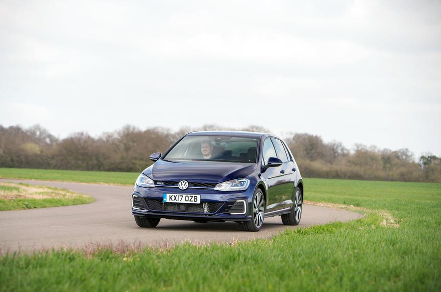 Volkswagen Golf GTE cornering