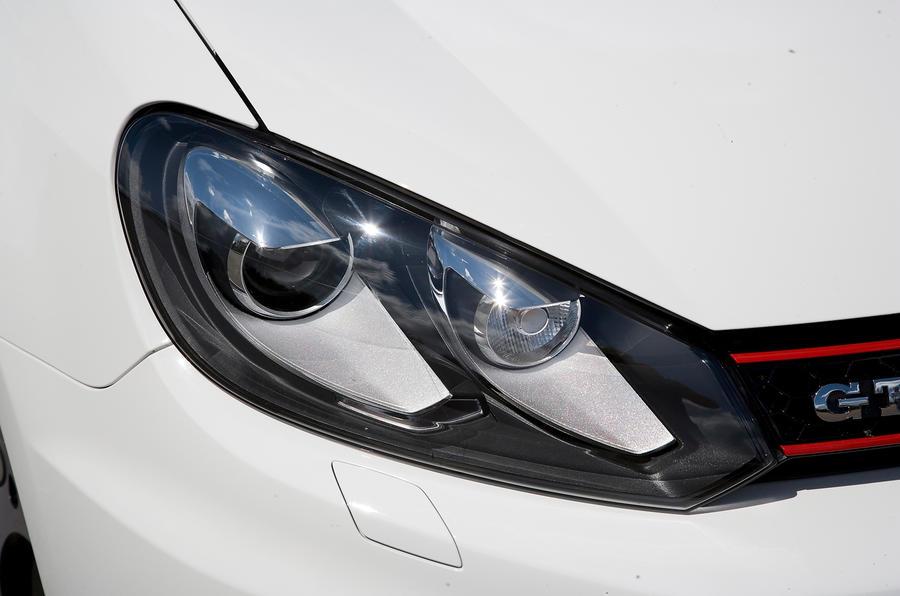 Volkswagen Golf GTI headlights
