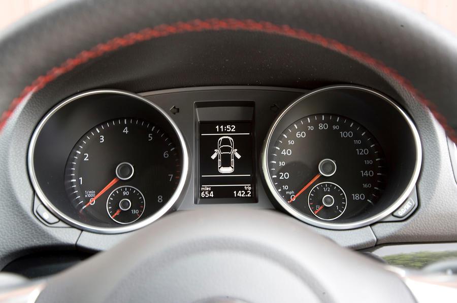 Volkswagen Golf GTI instrument cluster