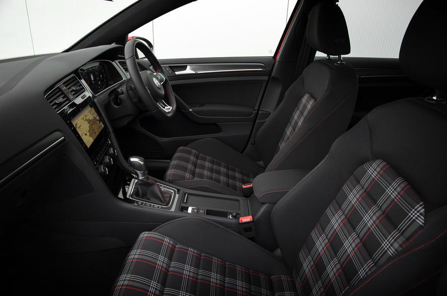 ... Volkswagen Golf GTI Interior ...