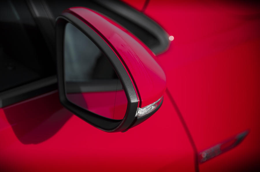 Volkswagen Golf GTI wing mirror