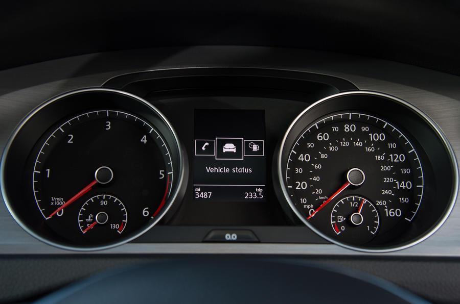 Volkswagen Golf instrument cluster