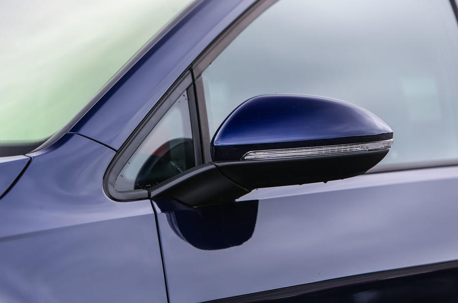 Volkswagen Golf wing mirrors