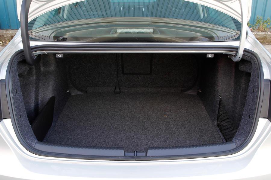 Volkswagen Jetta Review (2017) | Autocar