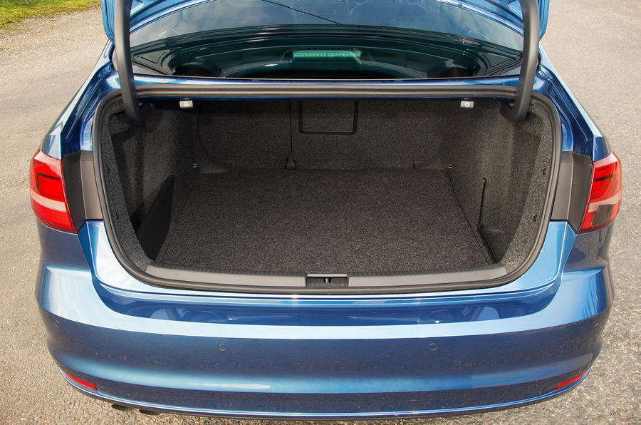 Volkswagen Jetta boot space