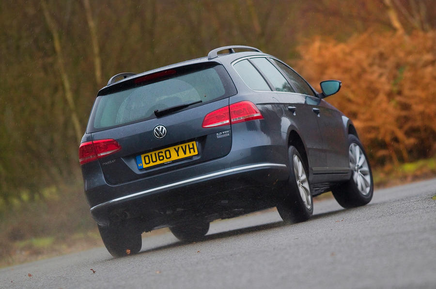 Volkswagen Passat Estate rear cornering