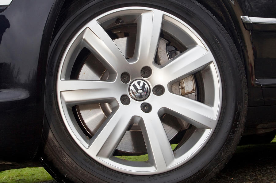 Volkswagen Phaeton 18in alloy wheels