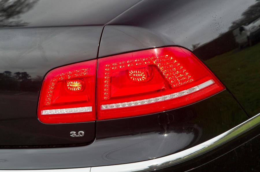 Volkswagen Phaeton rear lights
