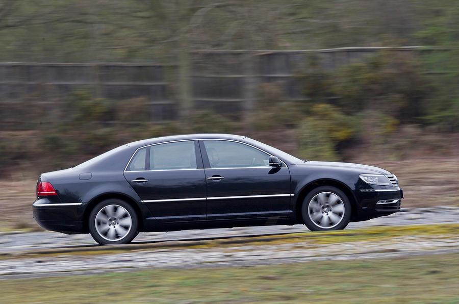 Volkswagen Phaeton side profile
