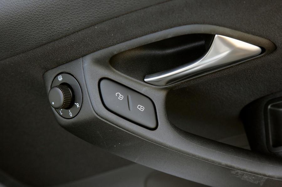 Volkswagen Polo chrome door handle