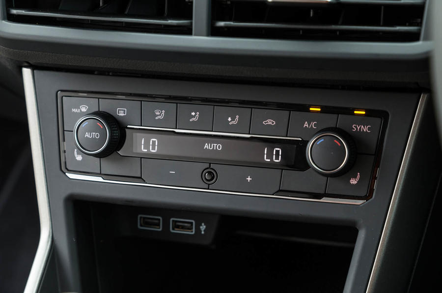 Volkswagen Polo climate controls