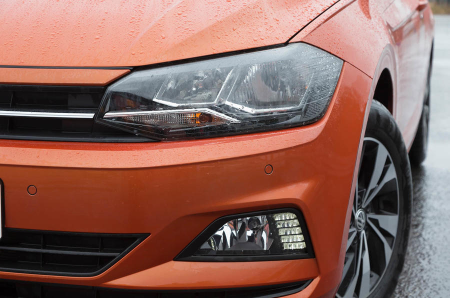 Volkswagen Polo headlights
