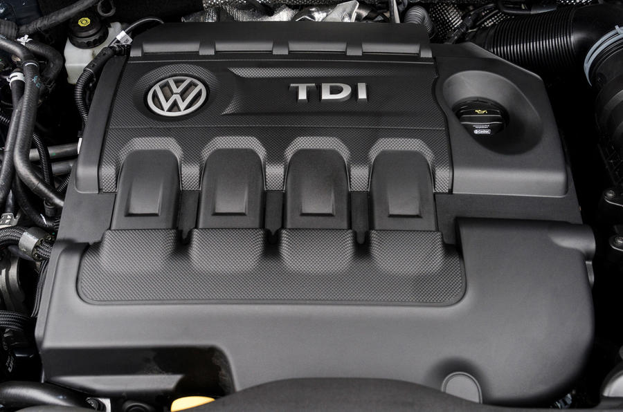 Volkswagen Sharan engine bay