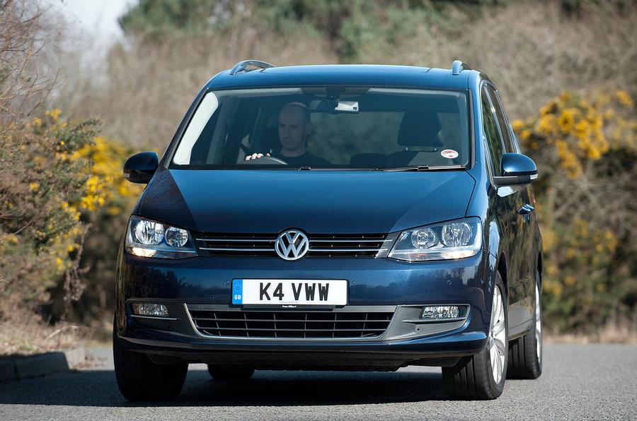 Volkswagen Sharan cornering